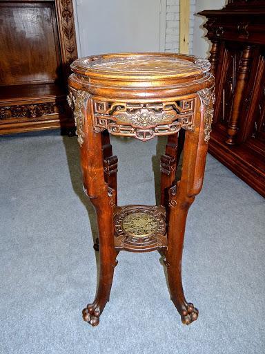 Столик  в восточном стиле.
