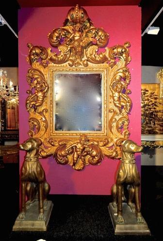 Настенное зеркало в бронзе