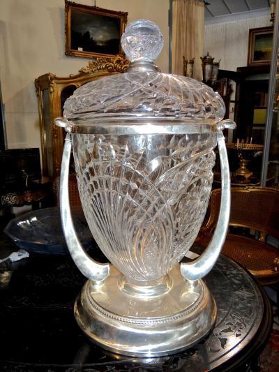 Большая ваза из хрусталя