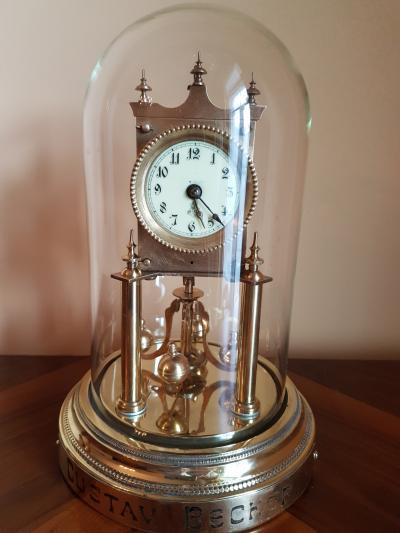 Часы-годовик Gustav Becker