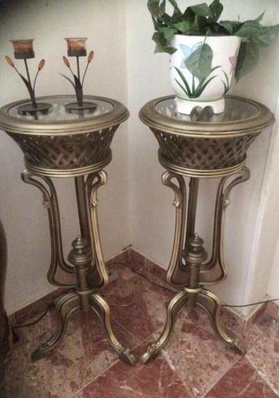 Столики под вазу