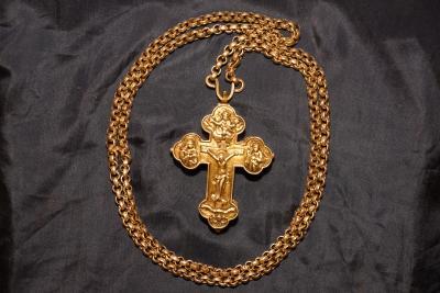 Наперсный крест-реликварий 1785 год