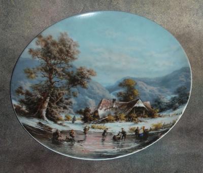 Тарелка фарфоровая новогодняя рождественская На зимнем пруду