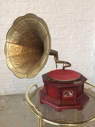 Граммофон HMV His Masters Voice