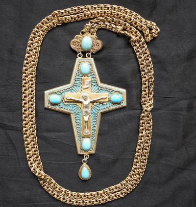 Наперсный крест с украшениями