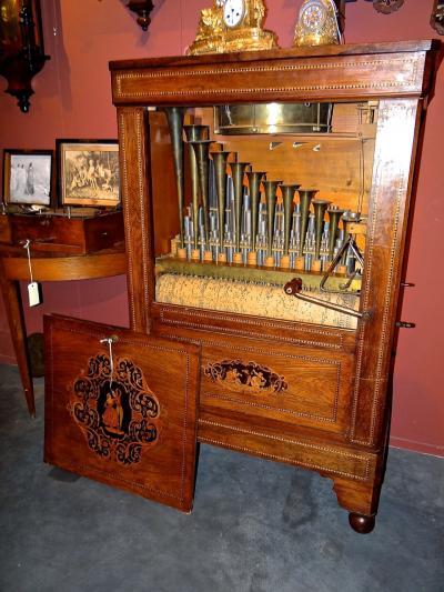 Музыкальный ящик
