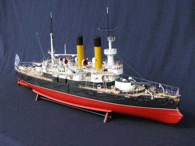 Модель броненосца Адмирал Апраксин