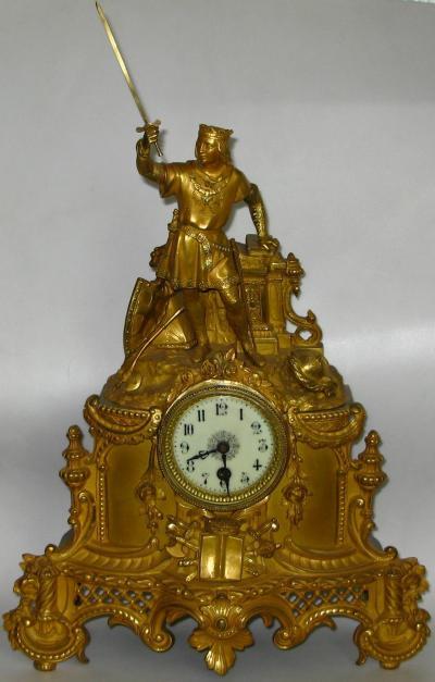 Позолоченные французские каминные часы Рыцарь
