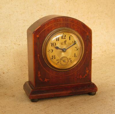 Краснодеревные французские настольные часы