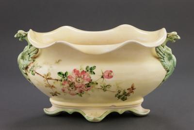 Жардиньерка с шиповником, XIX век