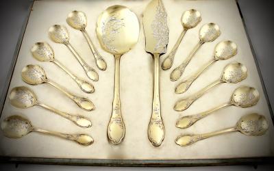 Сервировочный набор для десерта в стиле ар-нуво