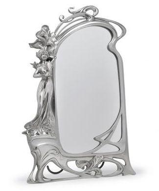 Настольное зеркало с красавицей в стиле модерн