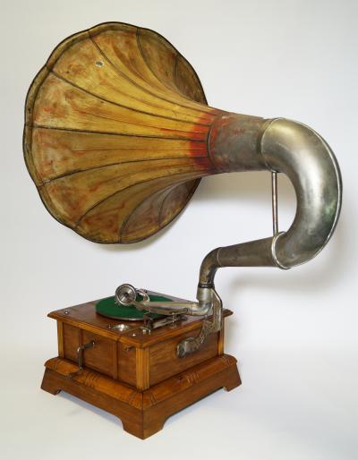 Граммофон Parlophone