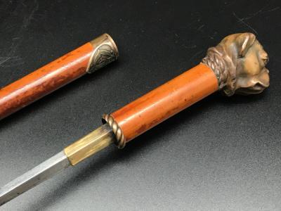 Трость со скрытым клинком с инициалами владельца и головой бульдога, Англия 19 век.