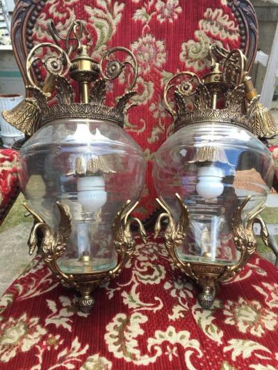 Парные подвесные лампы с лебедями