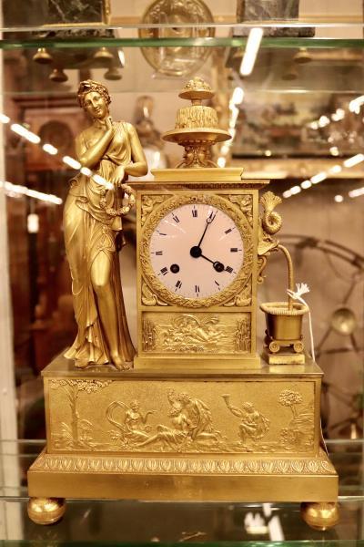 Часы Фонтан