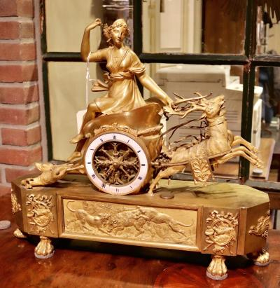 Часы Богиня Артемида