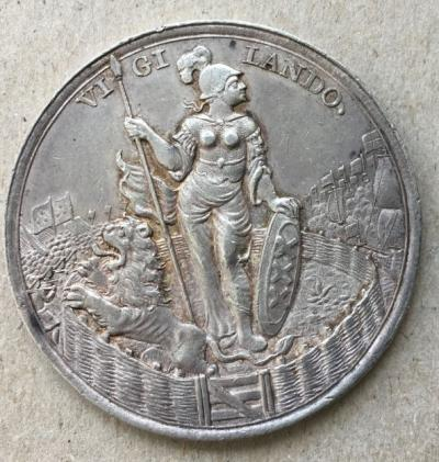 Медаль редкая Защитнику Амстердама