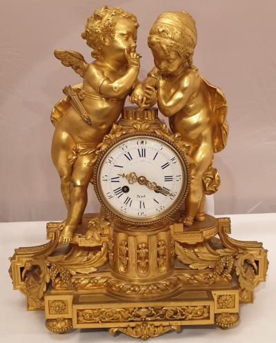 Часы Парочка ангелочков