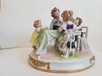 Статуэтка В гостях у бабушки