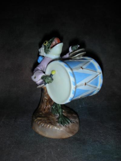 Лягушка с барабаном