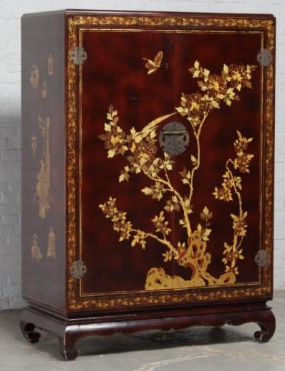 Шкафчик в восточном стиле