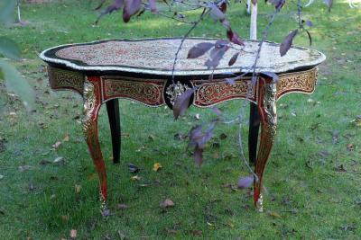 Антикварный стол в стиле Буль