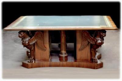 Письменный стол с грифонами