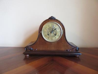 Миниатюрные часы Junghans