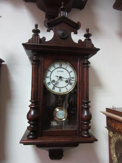 Часы В. Габю