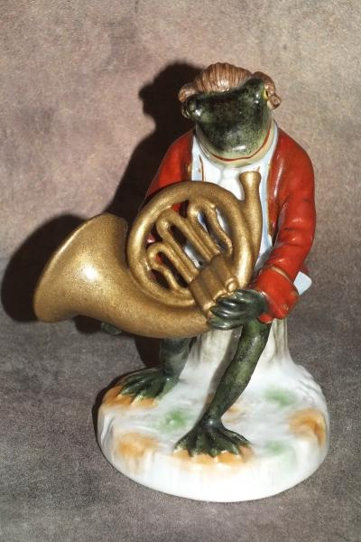 Лягушка с трубой