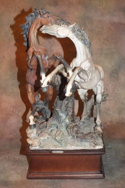 Лошадь и конь