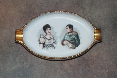 Наполеон и Жозефина. Пепельница (1)