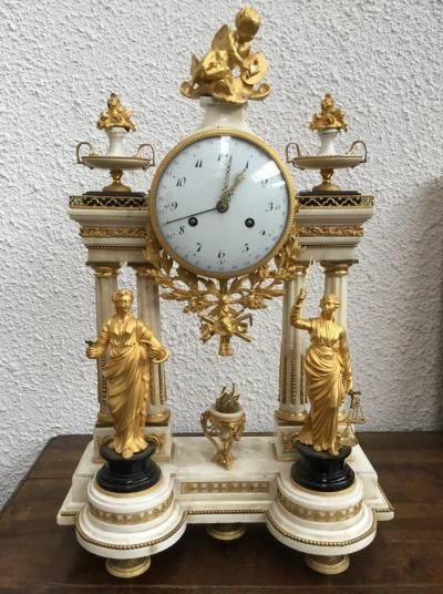Часы Фемида и Гея