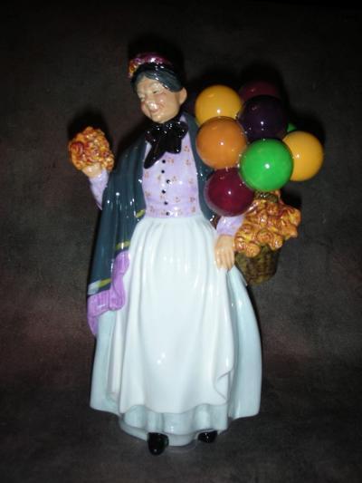 Бабушка с воздушными шарами