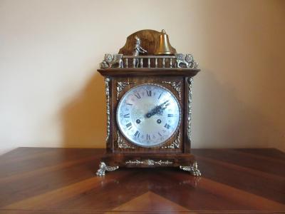 Часы Franz Hermle