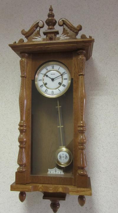 Настенные часы Hermle Franz