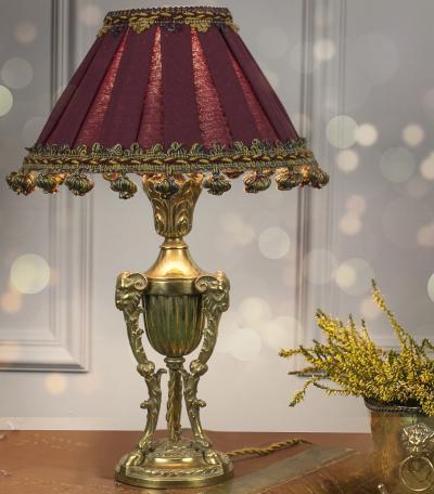 Настольная лампа в стиле Наполеона III