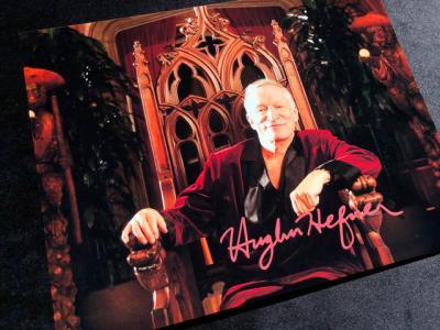 Фото с автографом Хью Хефнера