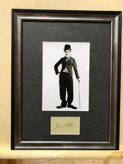 Фото с автографом Чарли Чаплина