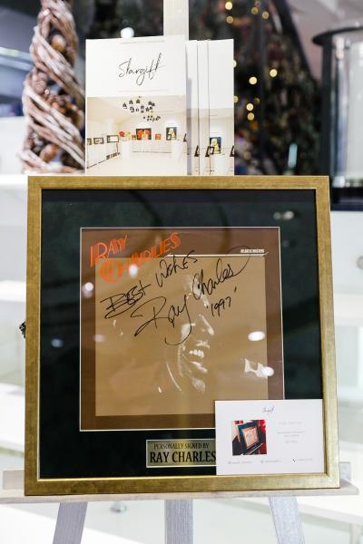 Виниловая пластинка с автографом и пожеланием Рэя Чарльза