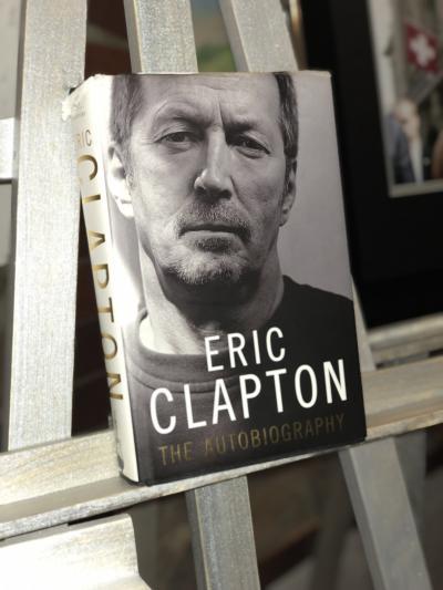 Книга с автографом Эрика Клэптона
