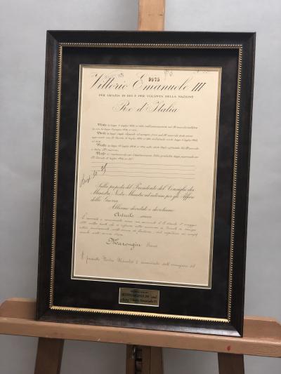 Документ с автографом Бенито Муссолини