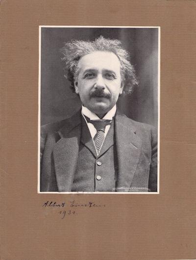 Фото с автографом Альберта Эйнштейна