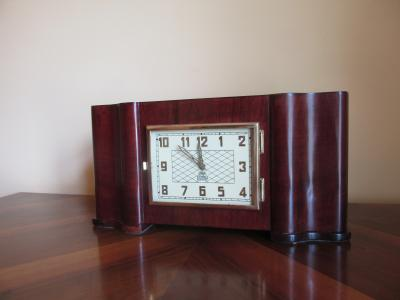 Часы настольные Владимир