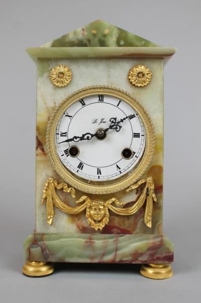 Часы из оникса в стиле Людовика XVI