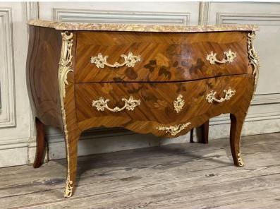 Комод в стиле Луи XV