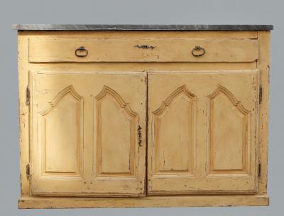 Патинированный комод 18 века