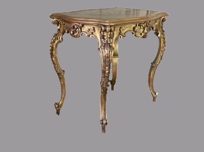 Резной стол в стиле Людовика XV