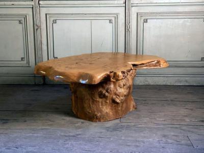 Кофейный столик из цельного дерева